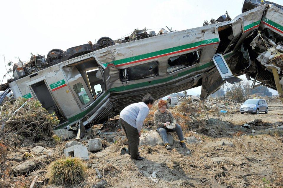 Выжившие после землетрясения и цунами в Японии
