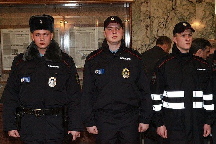 Образцы новой формы для полицейских