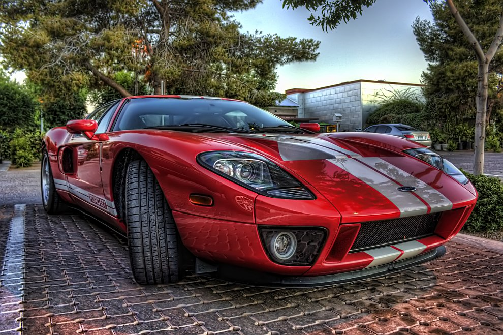 Форд GT