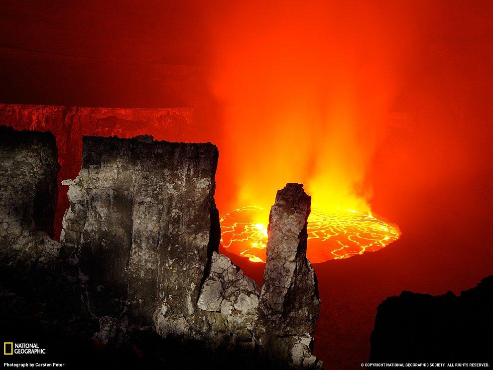 Лава вулкана Ньирагонго, Конго