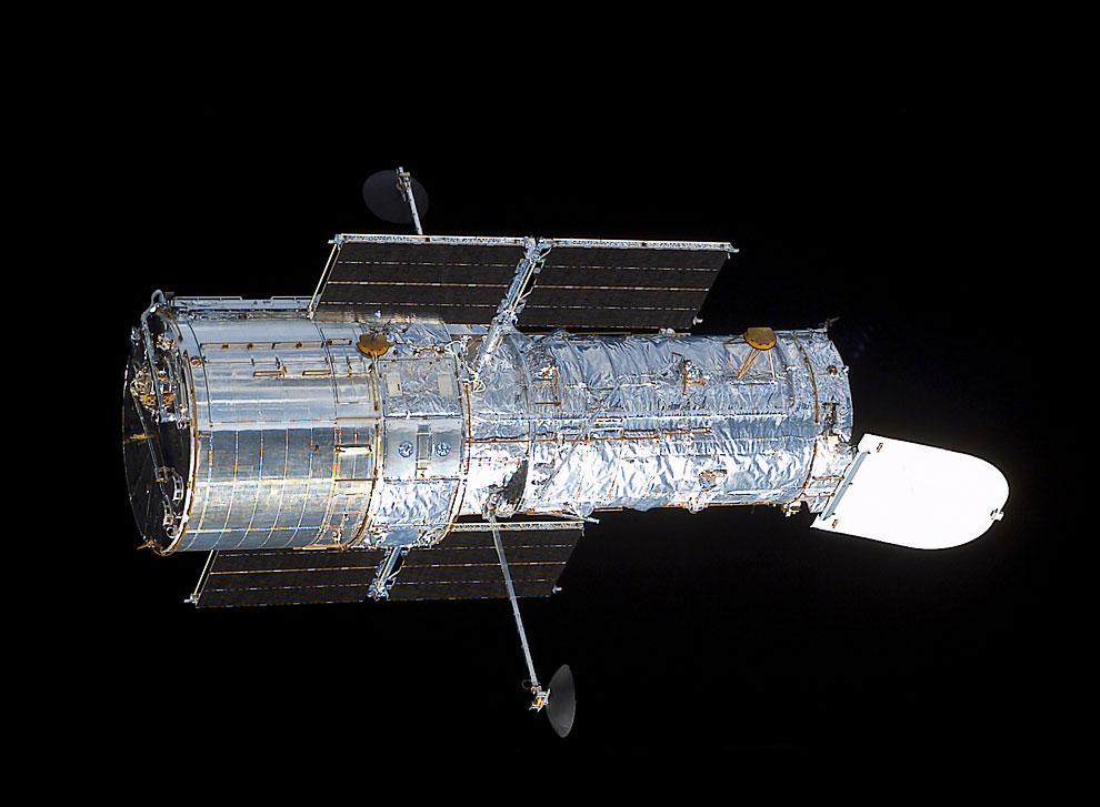 Телескоп Хаббл в космосе