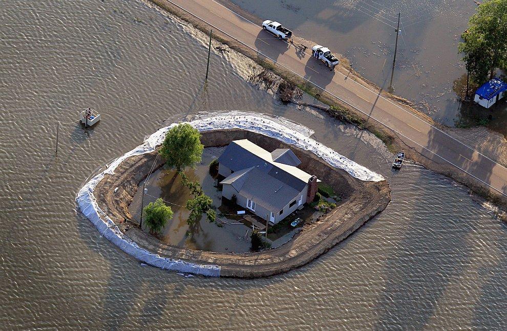 Крупнейший в истории разлив реки Миссисипи