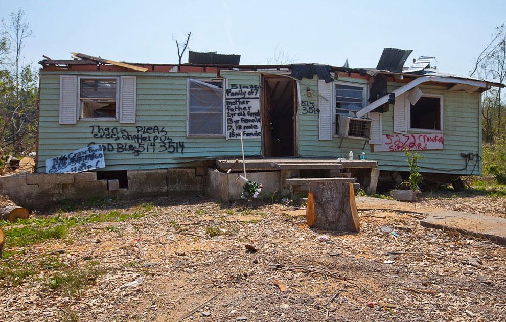 Разрушительные торнадо в США: 3 недели спустя