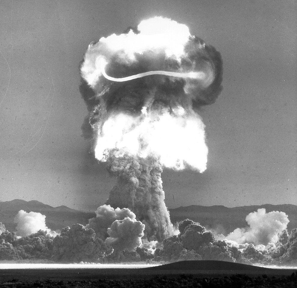 Ядерные взрывы: испытания атомных бомб