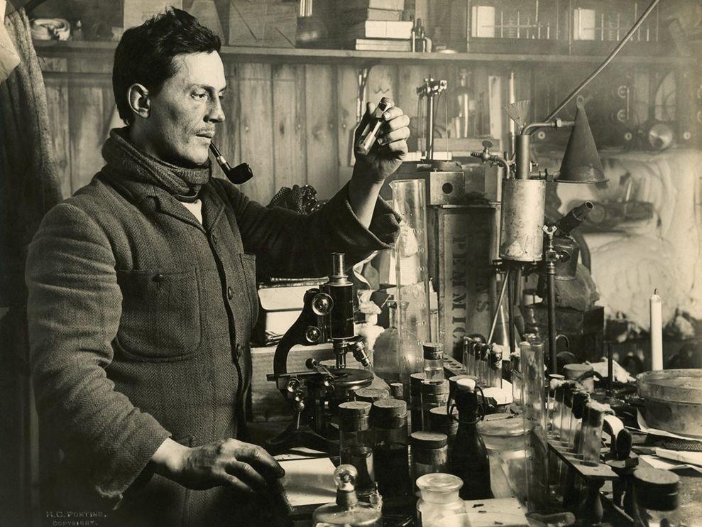 В лаборатории на Антарктиде