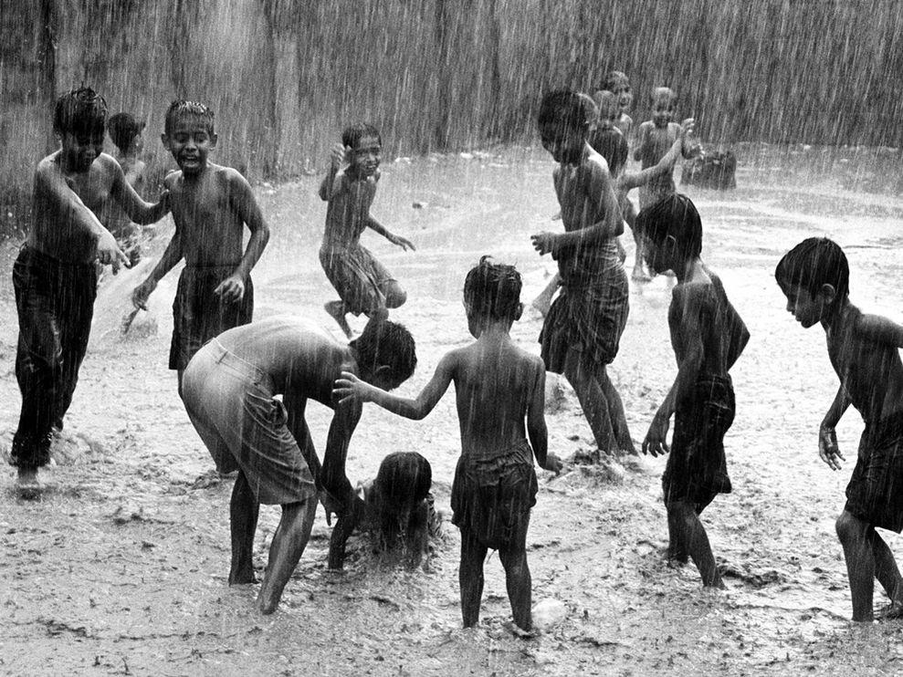Игры под дождем, Бангладеш