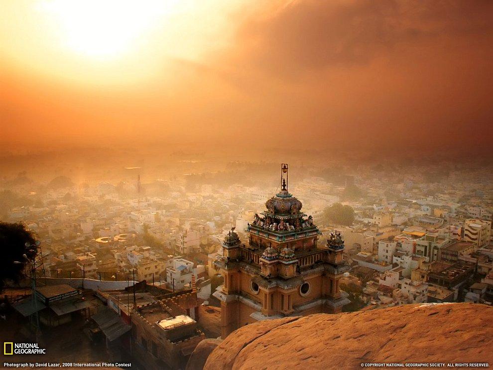 Храм Rock Fort на рассвете, Индия