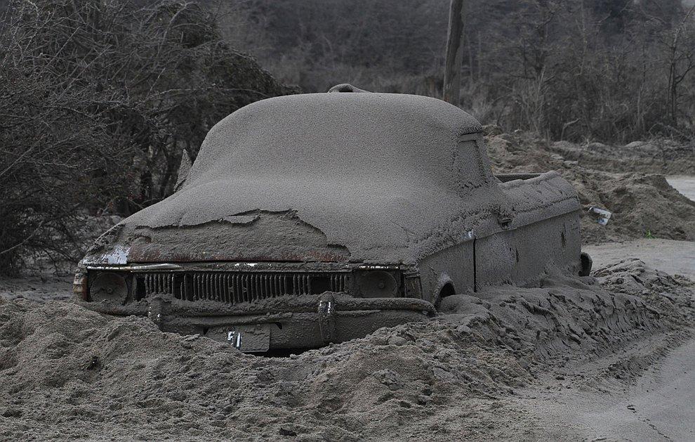 Пепел из вулкана Пуйеуэ: сказочные пейзажи