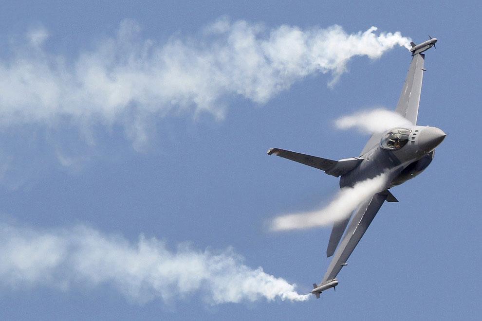 истребителей четвертого поколения F-16