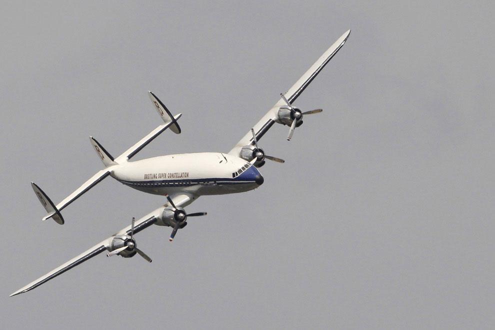 Самолет Breitling Super Constellation