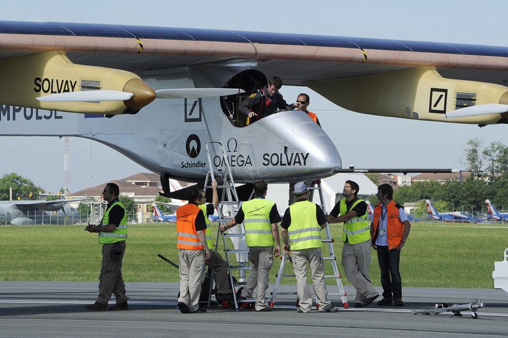 HB-SIA — самолет на солнечных батареях