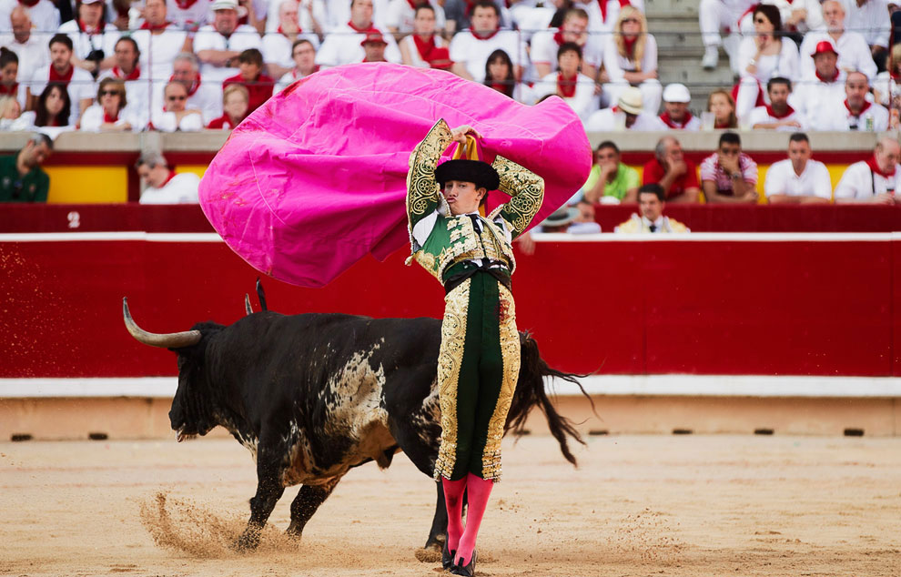 Испанский праздник Сан Фермин: бега быков