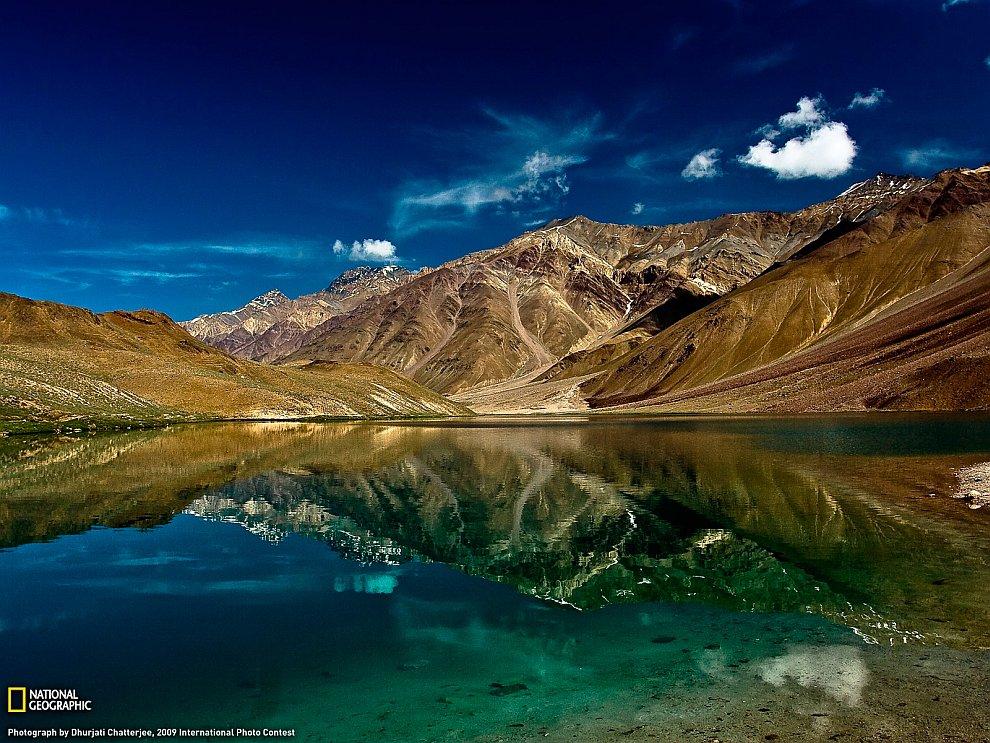 Лунное озеро в Индии
