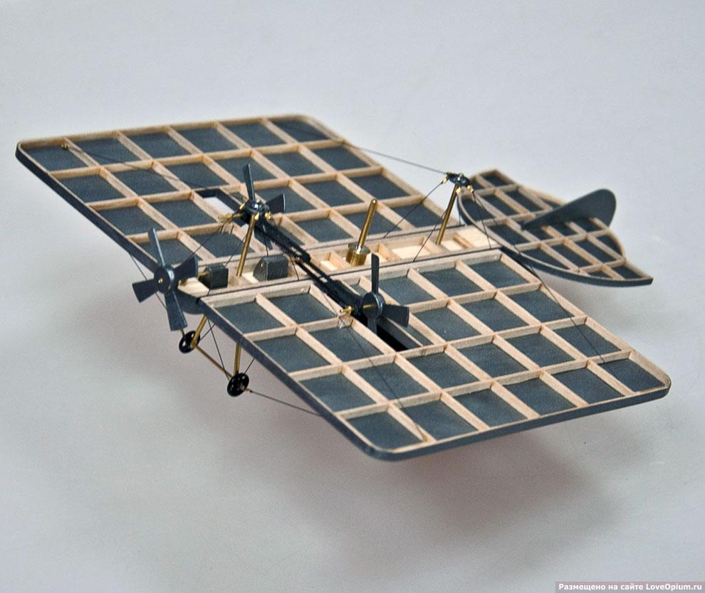Это модель первого в мире самолета А.Ф.Можайского