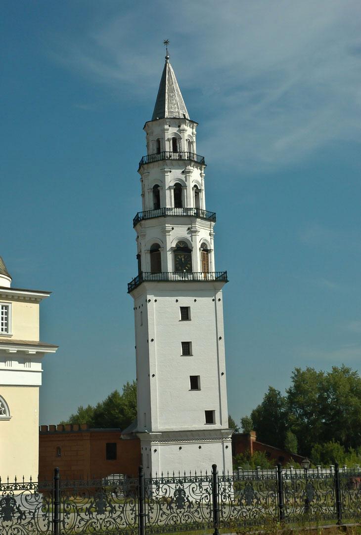 Невьянская башня и молниеотвод