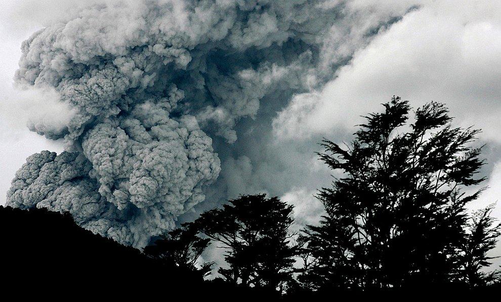 Извержение вулкана Пуйеуэ: пепел и пемза