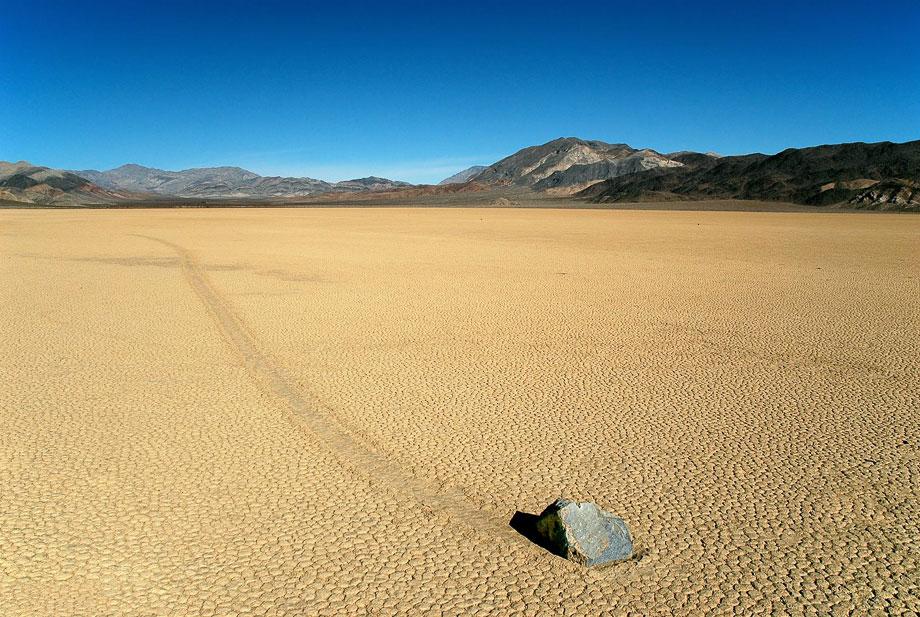 Ползущие камни Долины Смерти