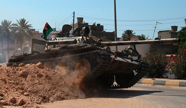 После 6 месяцев войны ливийские мятежники захватили Триполи