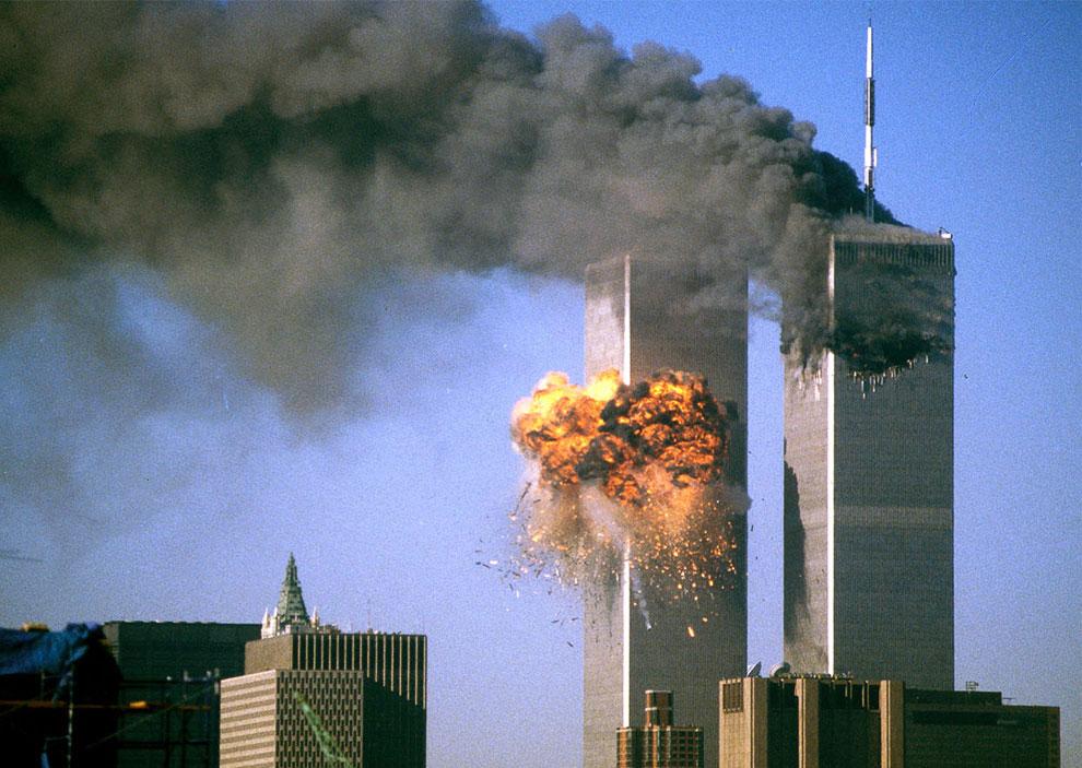 Картинки по запросу взрыв башен близнецов в нью-йорке