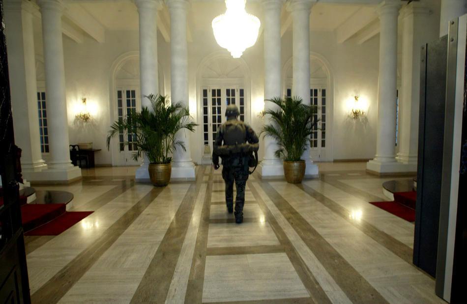 Дворцы диктаторов