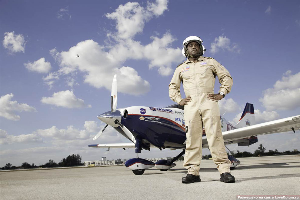 Самый молодой человек, совершивший кругосветное путешествие на самолете