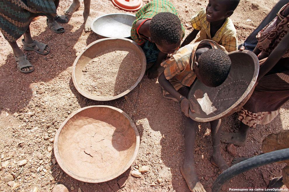 Кустарное добыча золота в Кении