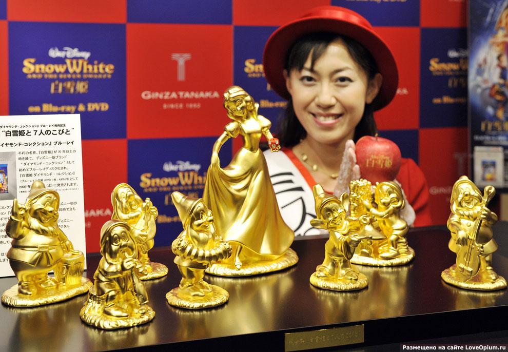 Золотые статуэтки