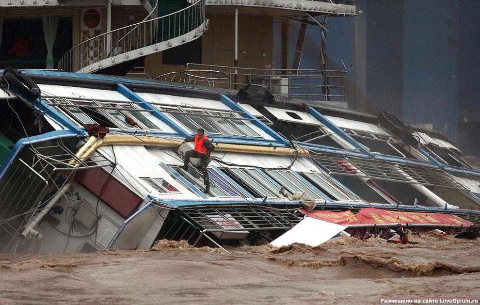 Спасательная операция на реке Цзялин