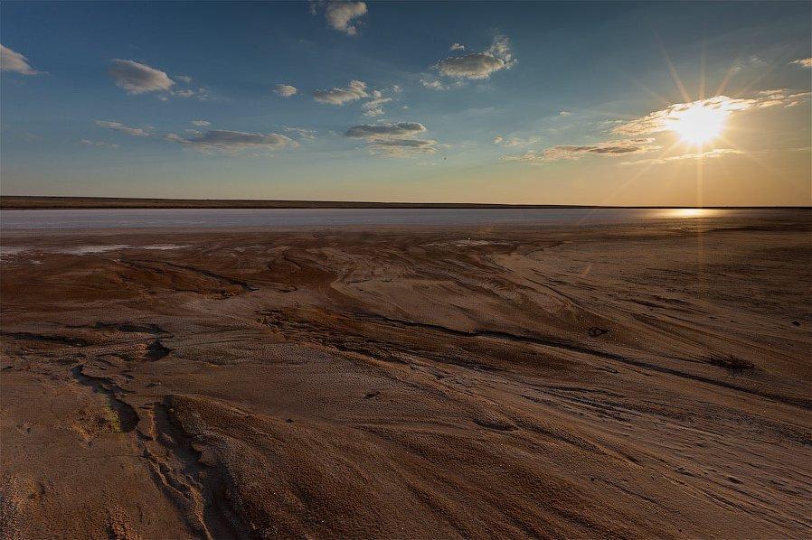 Солёное озеро Баскунчак