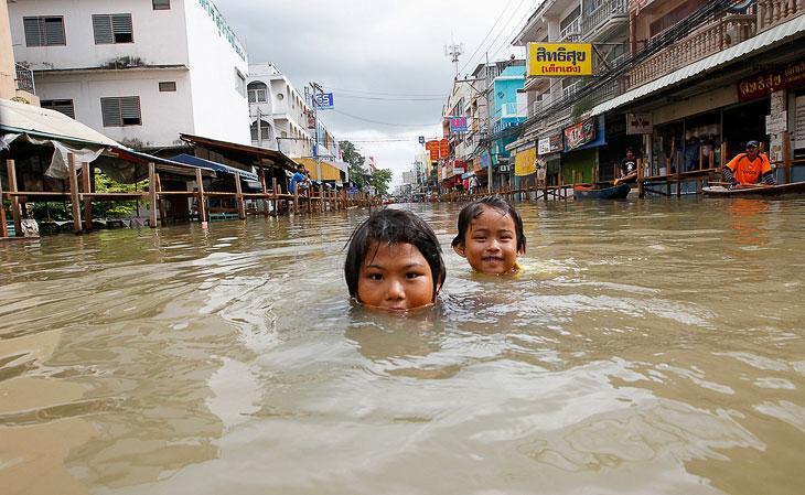 Картинки по запросу наводнение в Таиланде