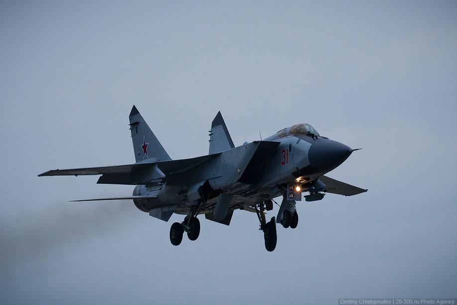 Первым делом самолеты: истребитель-перехватчик МиГ-31