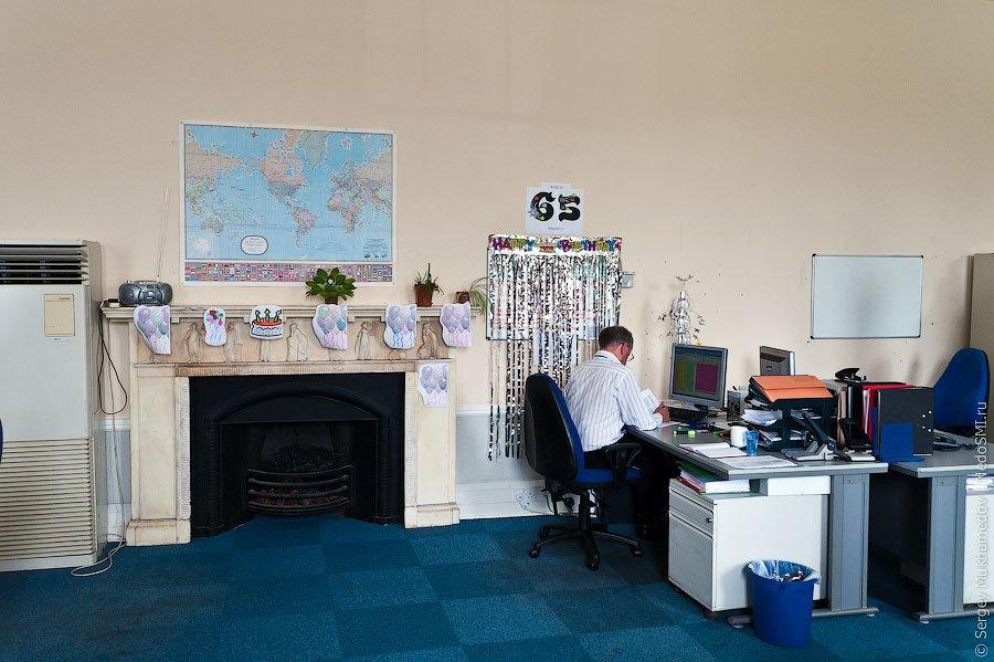 Необычный офис: старый замок