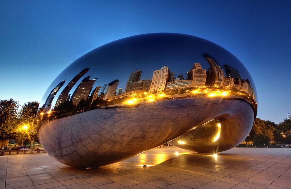 «Яйцо» в Милениум парке, в центре Чикаго