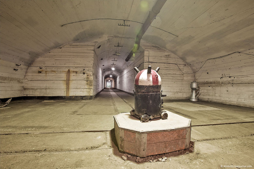 подводная лодка подземная