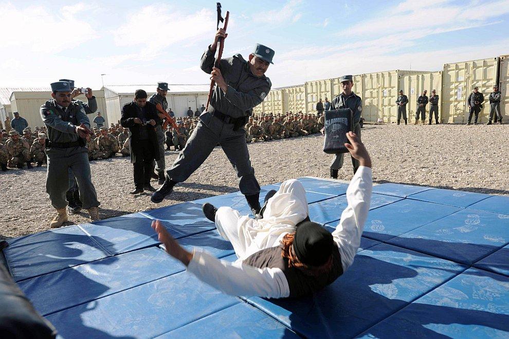 Афганистан в декабре 2011: сцены из жизни