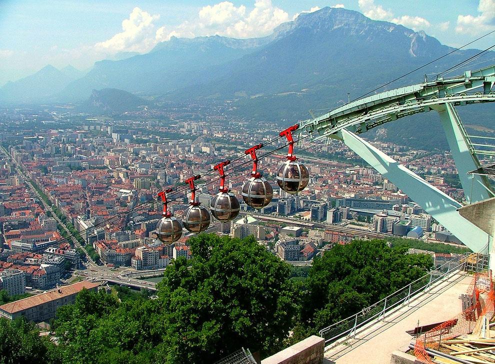 Lift Grenoble (France)