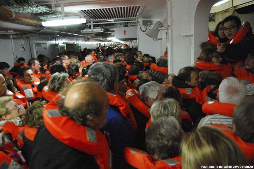 Крушение круизного лайнера Costa Concordia