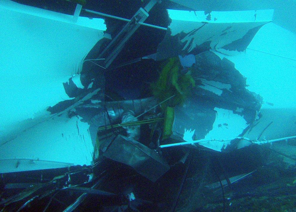 Внутри круизного лайнера Costa Concordia