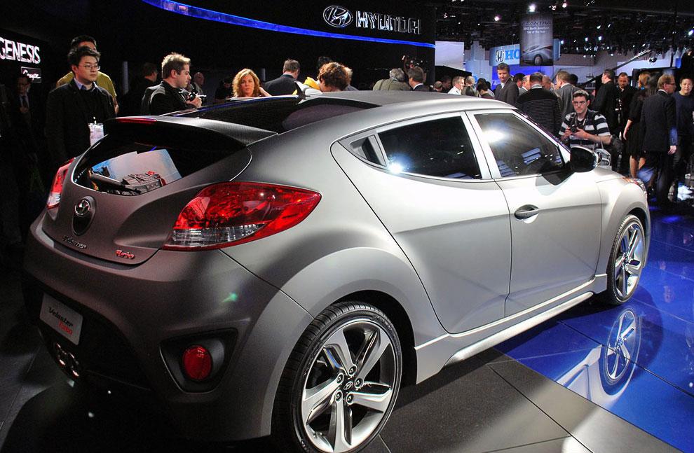 Купе Hyundai Veloster Turbo, модель 2013 года