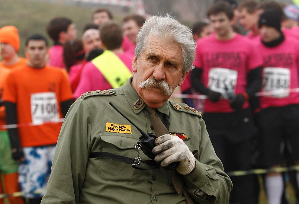 Крутые парни: забег с препятствиями Tough Guy 2012