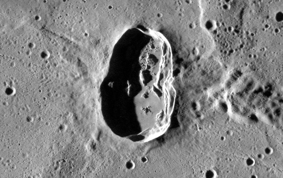Кратер на Меркурии