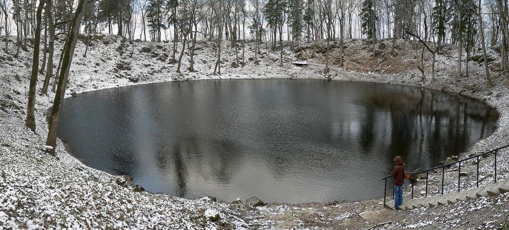 Кратер Каали (остров Сааремаа, Эстония)