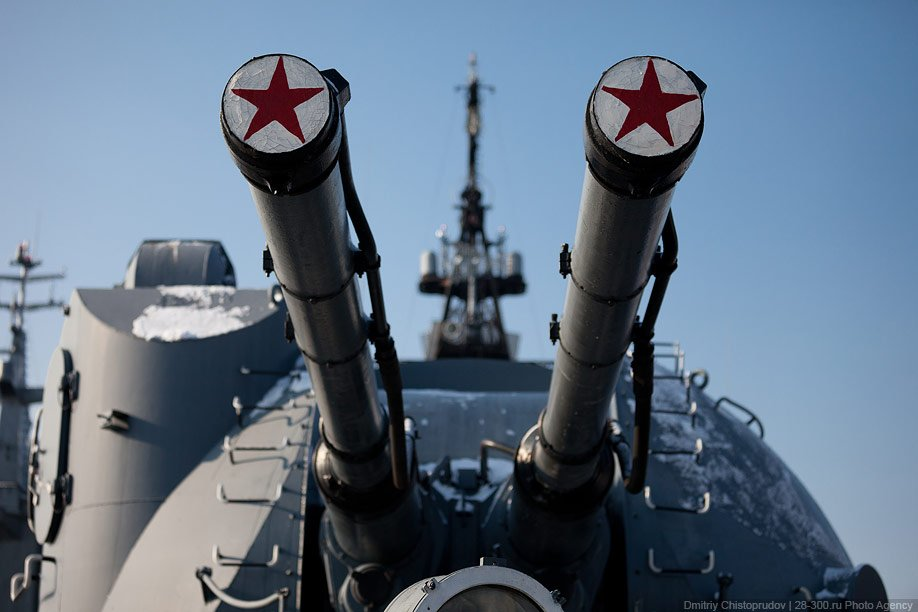 Защитник отечества — эсминец «Беспокойный»
