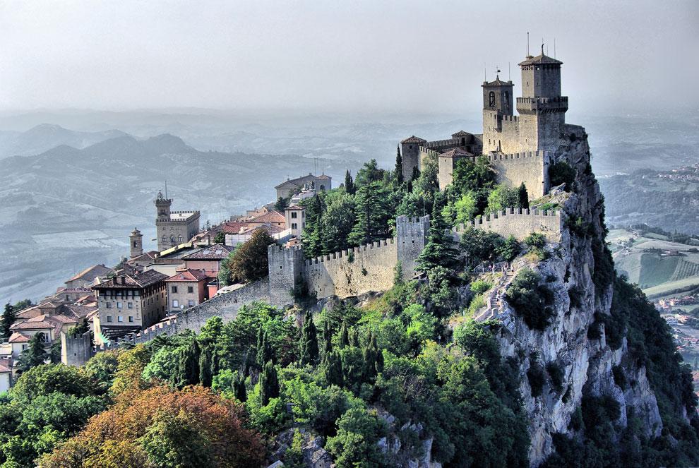 22 Сан-Марино — одно из самых маленьких государств в мире