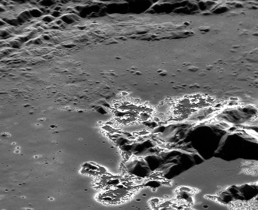 Кратер Эминеску на Меркурии