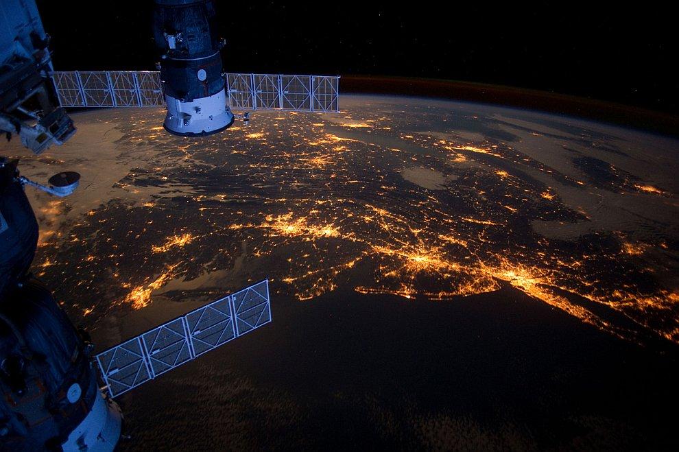 Ночной вид с Международной космической станции