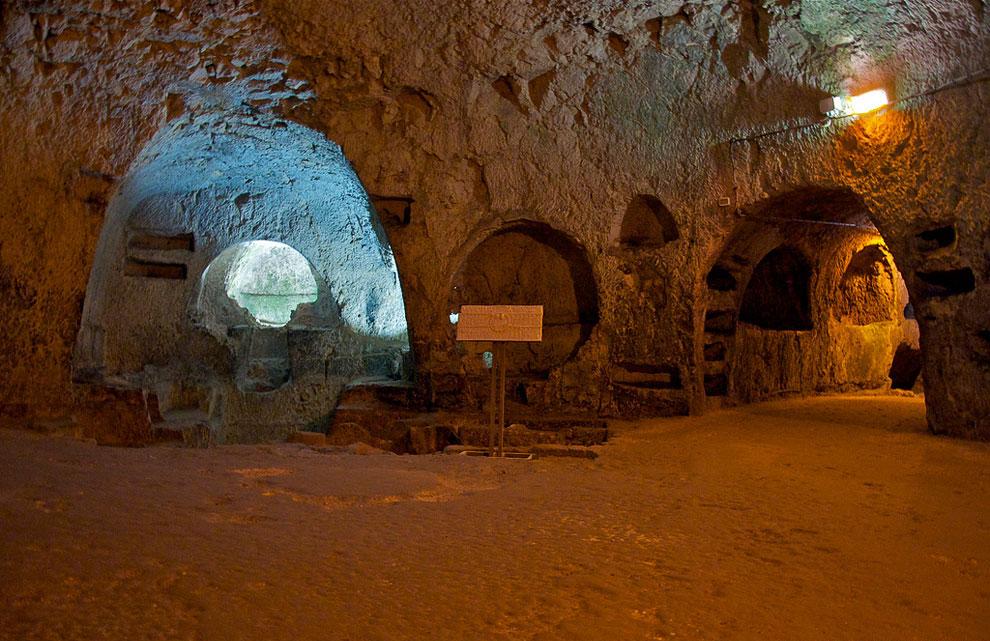 Катакомбы Сан-Джованни (Сиракузы, Италия)
