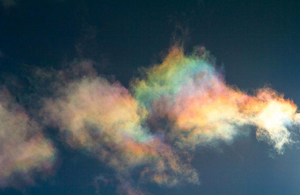Радужность в облаке