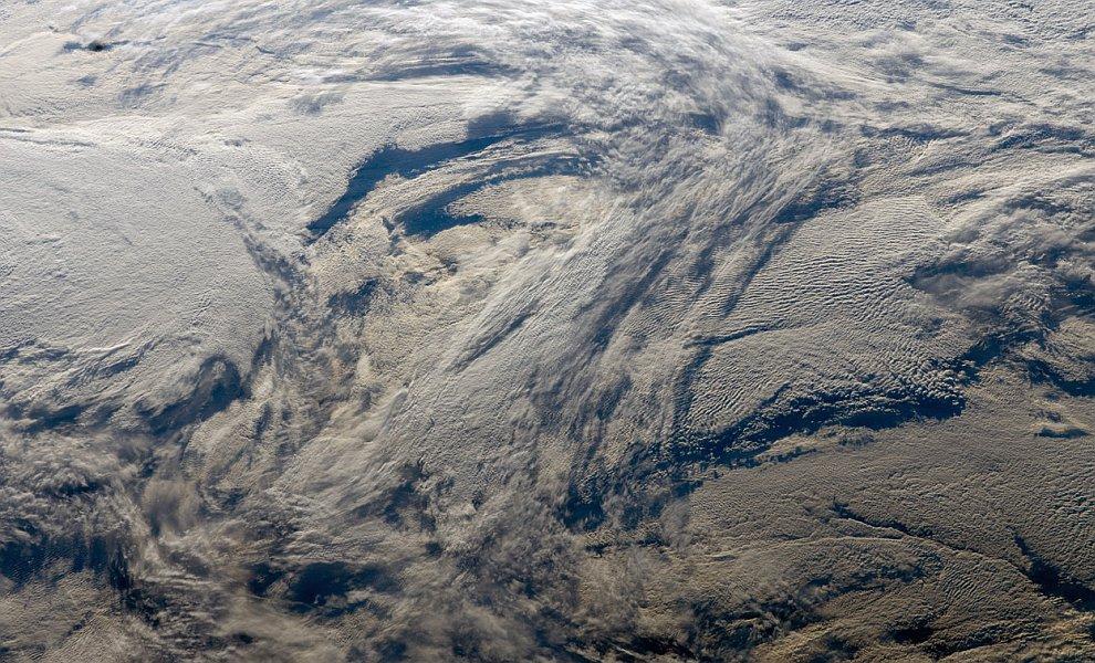 Многослойные образования облаков
