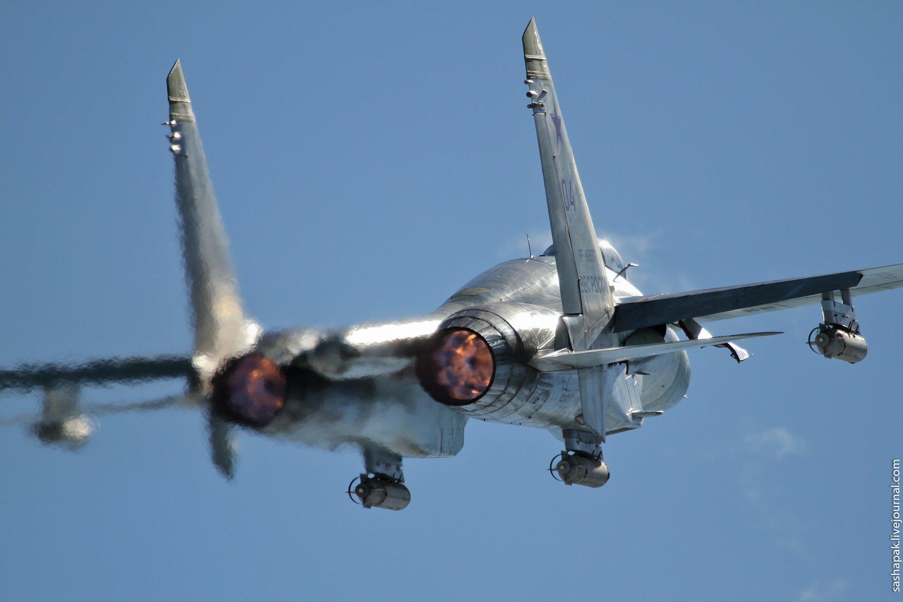2. Су-27 груженый САБами (осветительными авиабомбами) Спасибо.